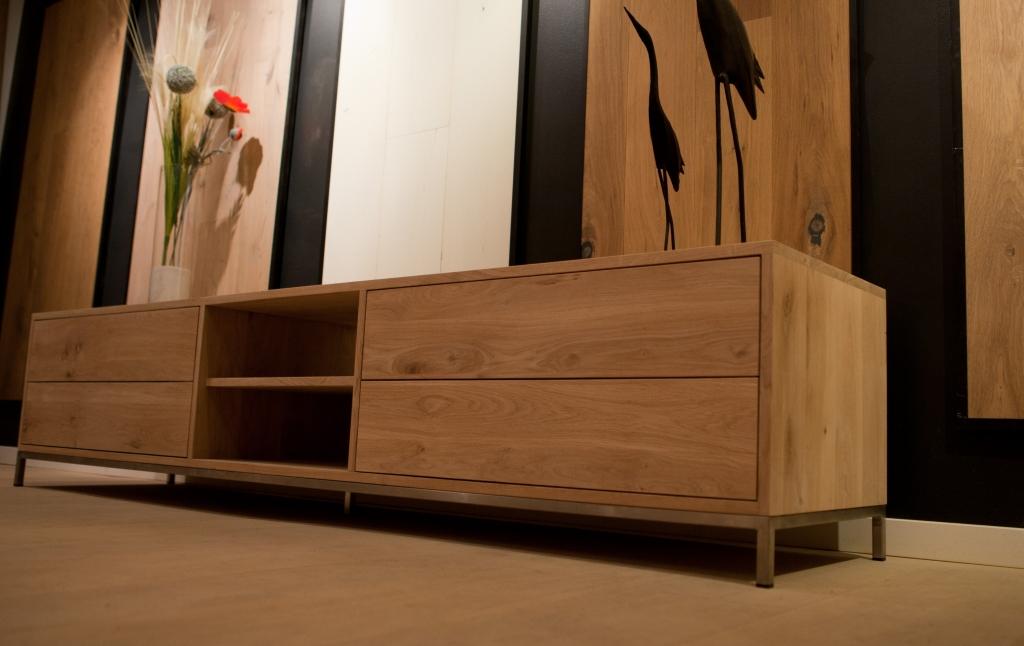 Houten tv meubels op maat gemaakt door dirk struiksma for Houten meubels