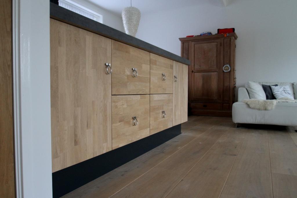 Houten keuken op maat gemaakt door dirk struiksma friesland - Meubels studio keuken ...